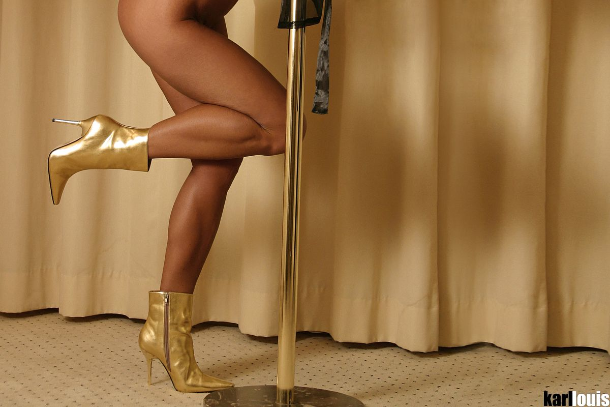 Elizabeth Carson - Golden Boots