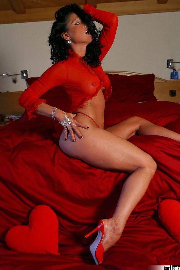 Elizabeth Carson - MILF in Red
