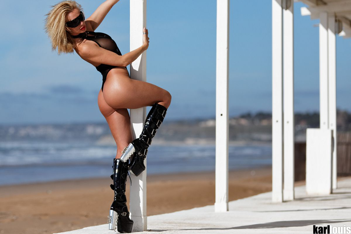 Francesca Felucci Beach Club Boots featured