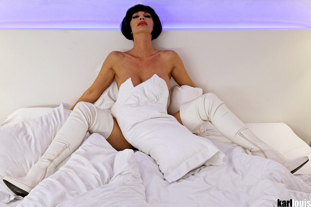 Francesca Felucci Hotel Room White