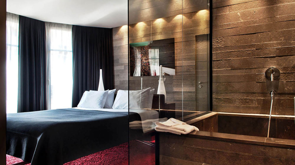 Htel Romantique Paris  SexyHotelsParis