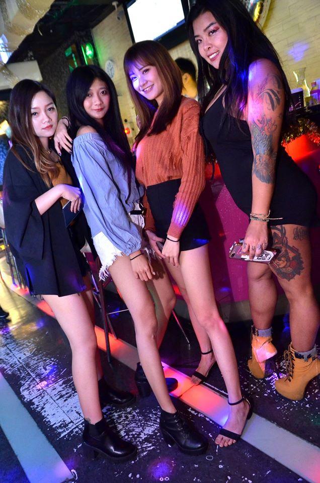 臺中酒吧-NINETEEN 19 音樂餐廳 - 香香夜生活入口 - 酒吧酒店talkingbar按摩推薦
