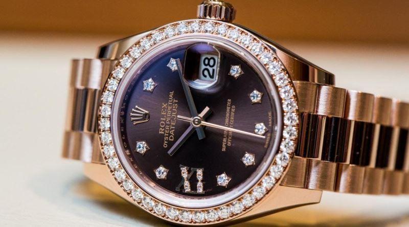 Why Date Window Always Displays 28 in Rolex Ads?