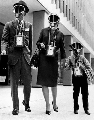 Photo's of Gas Masks from the past (2/5)