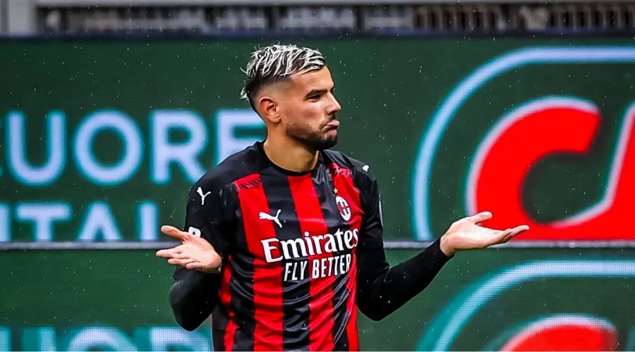 Theo hernandez has lifted the lid on the process that saw him join ac milan from real madrid just over a year ago. Theo Hernández Fifa 21 - Theo Hernandez fait passer un ...