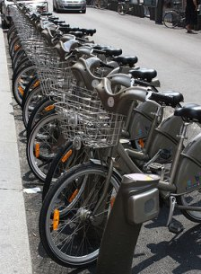 Paris bike sharing program Velib. Flicr photo: Gilles