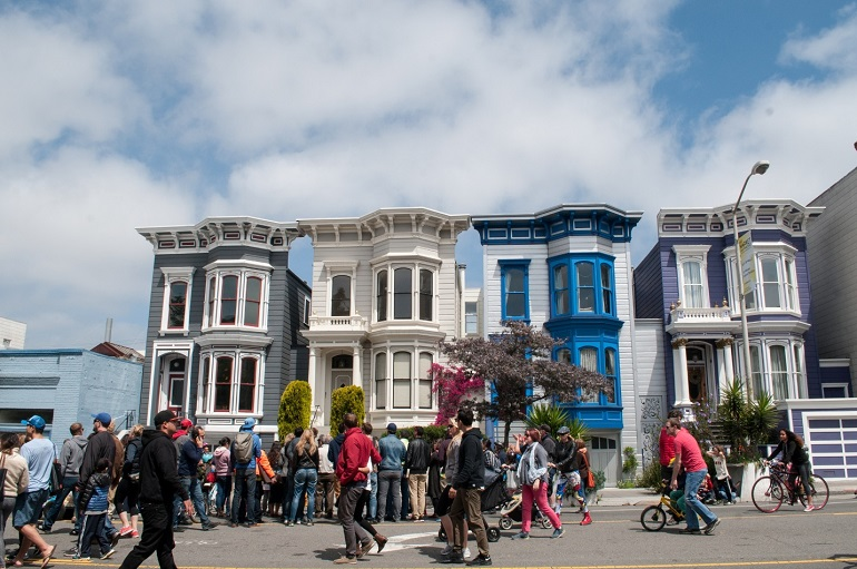 Last year's Sunday Streets event in the Mission. Photo: SFMTA