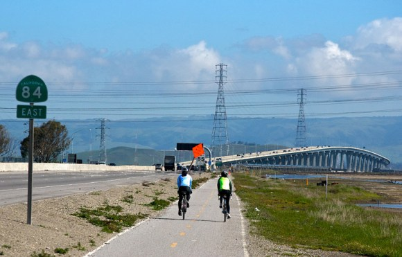 Bicyclists approach the Dumbarton Bridge from the west. Photo: Jun Seita / Flickr