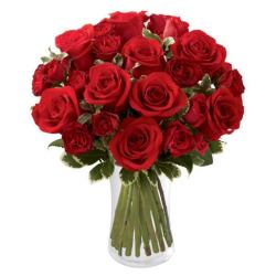 Last minute gift delivery for valentine's day of red roses with long stem roses in a vase
