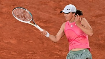 Tennis – Roland-Garros (F) : Swiatek trace sa route, première pour Sakkari, Krejcikova et Gauff