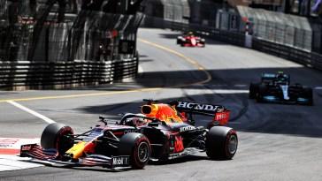 Monaco : Verstappen s'impose et prend la tête du championnat