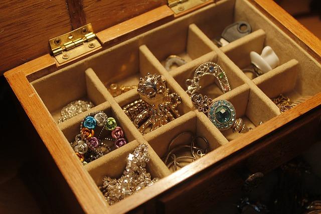cum-se-curata-bijuteriile