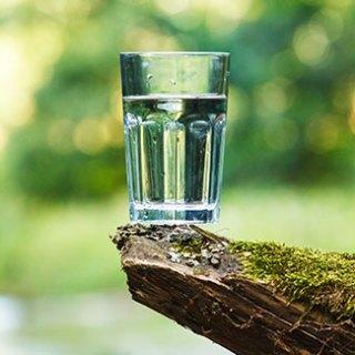 6-utilizari-mai-putin-cunoscute-ale-apei-minerale