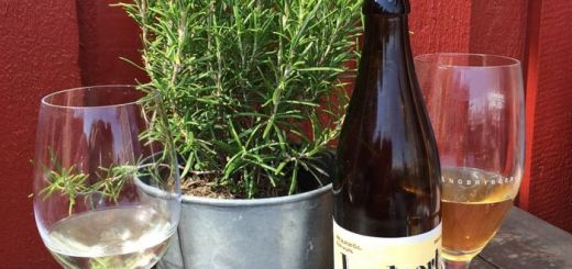 vinul-de-rozmarin-elixirul-care-pastreaza-vie-dragostea