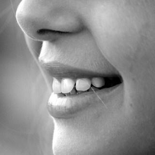 Afectiunile bucale. Remedii cu plante medicinale