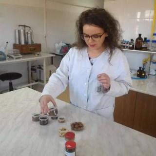 Ioana Cozma - băutură din ghindă care poate ÎNLOCUI cafeaua