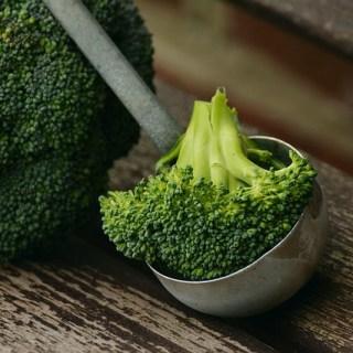 Cum se fierbe la aburi broccoli proaspat. Cea mai sanatoasa metoda de preparare