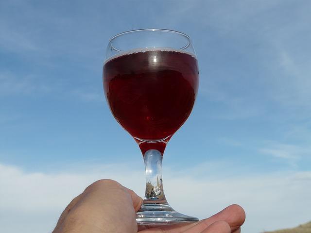 cum te poți trata cu ajutorul vinului roșu