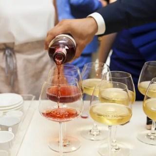 Cum sa faci un vin de casa reusit. Sfaturi utile de la un expert in domeniu