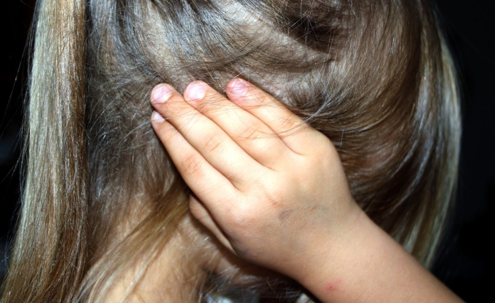 studiu: de ce isi bat parintii copiii