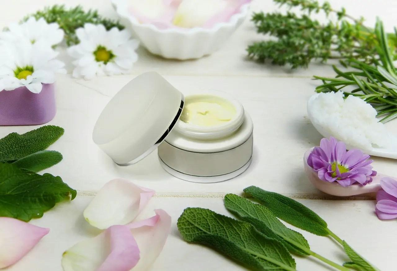 7 alifii din plante medicinale. Retete naturale pentru diferite afectiuni ale pielii