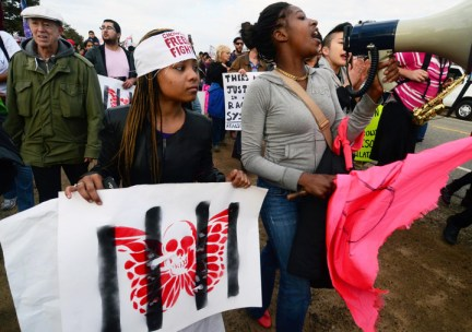 Chowchilla Freedom Rally young Black women 012613 by Bill Hackwell, web