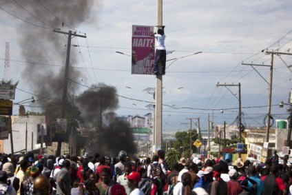 Port au Prince Haiti anti-Martelly protest 111813 by AP