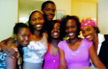 Alima Kasongo, ctr front, family