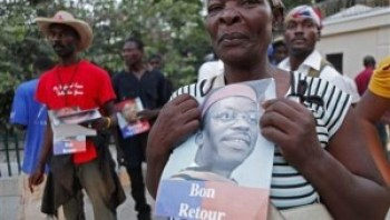 The vast majority of Haitians are well aware that support of President Aristide and Lavalas is in their best interest. – Photo: Reuters