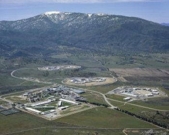 CCI Tehachapi Prison lies in the Tehachapi Mountains 35 miles east of Bakersfield between the San Joaquin Valley and the Mojave Desert. – Photo: CDCr