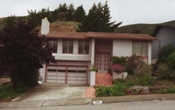 Norwin Meneses' home at 1323 Oddstad Blvd. in Pacifica, Calif., is where DEA operative Danilo Blandon testified that he picked up kilos of cocaine when he was running drugs for the Nicaraguan Contras. – Photo: Jason M. Grow, Mercury News