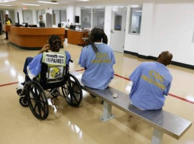 Prisoners await treatment at the mental health unit opened in 2013 at the California Medical Facility in Vacaville, Calif. – Photo: Rich Pedroncelli, AP