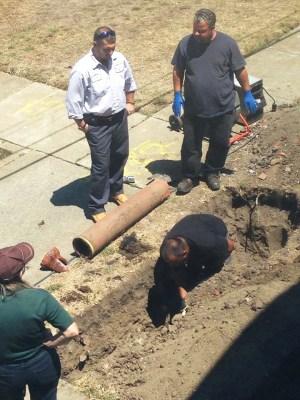 John Stewart Co. maintenance crew replacing old fragile terra cotta pipes on Treasure Island pipeline outside Lundgren townhouse at 1201-B Bayside Drive. – Photo: Quinn Lundgren