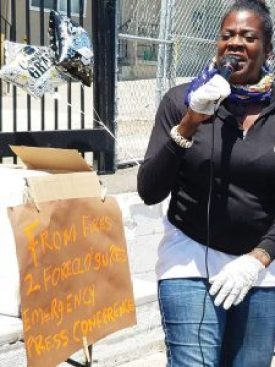 Aunti Frances from the Aunti Frances Self-help Love Mission in North Oakland passionately decries gentrification at the Emergency Press Conference on Displacement held May 26 at Homefulness. – Photo: Tiny, Poor News Network