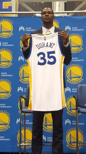 Kevin Durant shows the world he's a Warrior. – Photo: Lee Hubbard