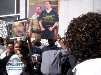 Oscar Grant's mother Wanda Johnson speaks at a rally outside the San Francisco District Attorney's Office demanding that DA George Gascón, who convened the Blue Ribbon Panel, charge SFPD officers who have murdered Black and Brown young men with impunity. – Photo: Adilifu Fundi