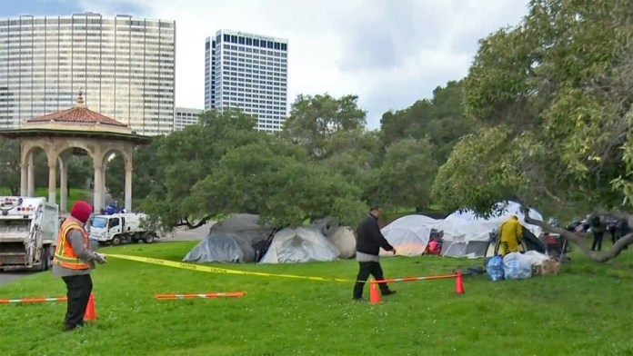 Lake-Merritt-homeless-encampment-evicted-021519-by-KPIX-CBS-5, Challenging Oakland's encampment evictions, Local News & Views