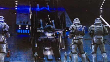 Teaser trailer for Star Wars: The Force Awakens.