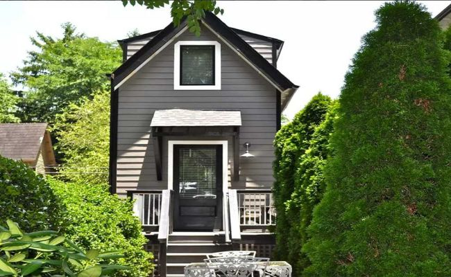 Tour The Stylish 3 Story Birdhouse