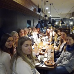 08.11.2017: Die Schülerinnen des SG mit ihren finnischen Freundinnen