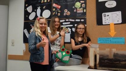 Schulfest, 25.07.2017: Die Klasse 6a hat sich über den Umgang mit Lebensmitteln Gedanken gemacht.