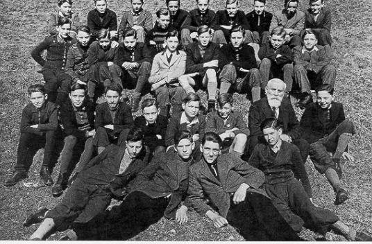 Foto der Klasse, aus der Schüler der Schubart-Oberschule als Luftwaffenhelfer 1944 gefallen sind.