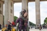 """Muriel König mit ihrer Partnerin Lily-Kumeneger Pascal: """"Ich kann das Programm wirklich jedem weiterempfehlen, der sowohl die französischen Kultur kennenlernen, als auch seine Sprachkenntnisse verbessern will. Man macht tolle Erfahrungen, findet neue Freunde, entdeckt Frankreich nochmal von einer ganz anderen Seite und kann mit seinem Austauschpartner ganz viel Spaß und Abwechslung vom deutschen Alltag haben. Ich persönlich habe von dem Austausch sehr profitiert und viel dazu gelernt."""""""