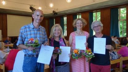 20.06.2018: Das Kollegium gratuliert Gudrun Möhrle und Richard Haupt zum 40-jährigen Dienstjubiläum und Sonja Kohlmann-Münz und Thomas Brauchle zur Beförderung zum Oberstudienrat