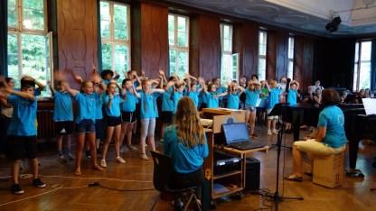 24.07.2018: Die SG Voices auf dem Schulfest (Leitung: Astrid Borgmeier)