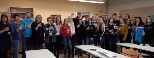 30.10.2018: Die deutschen und finnischen Freunde mit ihren Lehrkräften und der Schulleiterin