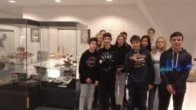 """13.12.2018: Die NWT-Gruppe der Klasse 9a auf der Bionik-Ausstellung """"PatenteNatur NaturPatente"""" im Um-Welthaus Aalen"""