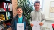 18.12.2018: Florian Bopp (1. Landessieg) und Daniel Meiborg (2. Landessieg) freuen sich über ihre Erfolge in der Einzelwertung im Landeswettbewerb Mathematik (BW).