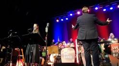 """15.03.2019: Sängerin Julia Brooks besingt ihren """"Mr Zoot Suit"""""""
