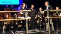 """29.05.2019: Schulrat Christian Meinzinger dankt den über 100 Musikern im Namen der Kultusministerin für einen grandiosen Big Band Battle: """"Ihr habt unglaubliches Talent"""